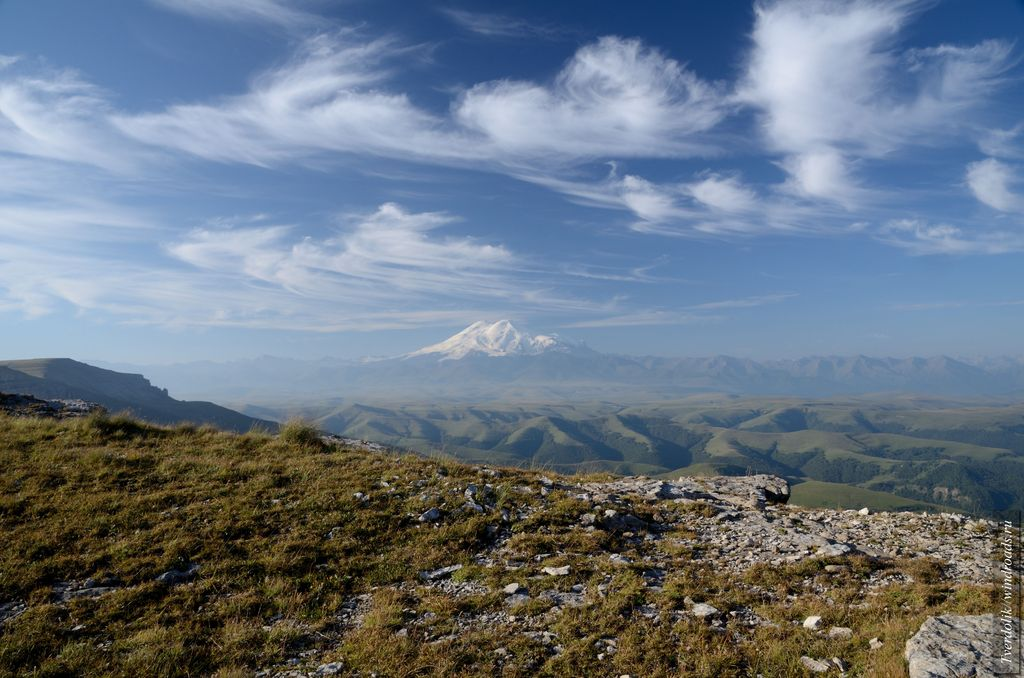 Вид на Эльбрус с плато